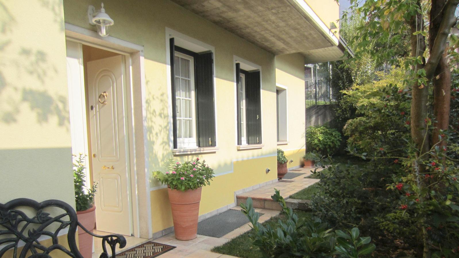 LUMEZZANE (BS) – Villetta bifamiliare con giardino