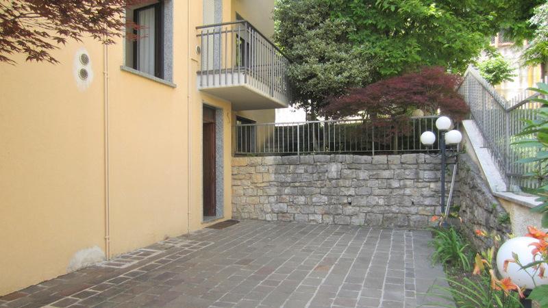 LUMEZZANE (BS) Gazzolo – Bilocale vuoto con balcone