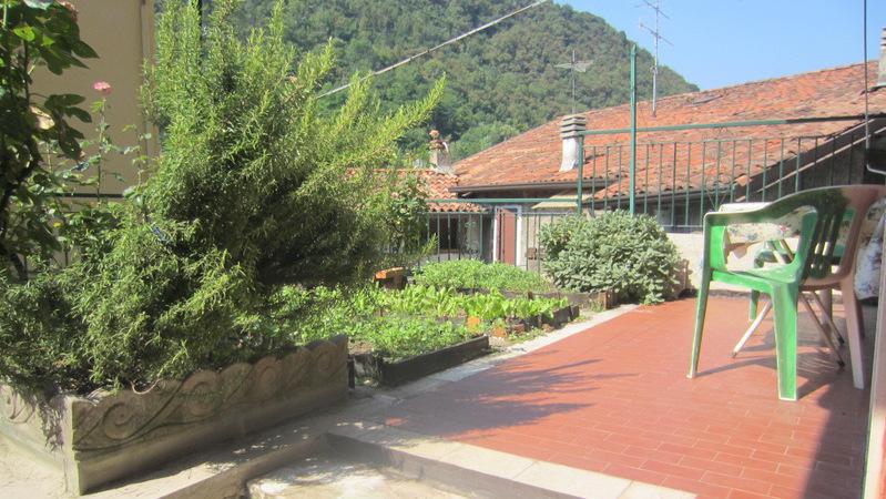 LUMEZZANE (BS) – Casa indipendente con terrazzo vivibile
