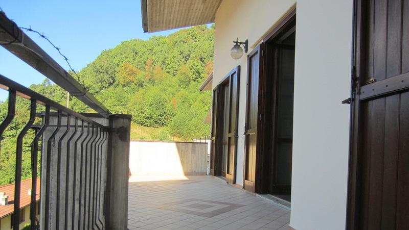 LUMEZZANE (BS) S. Apollonio – Trilocale con terrazzo e box auto