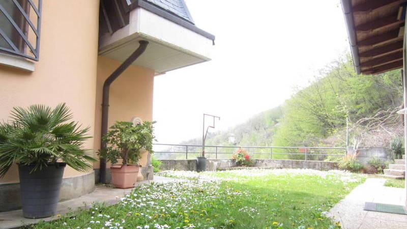 LUMEZZANE (BS) Renzo – Villa bifamiliare con giardino