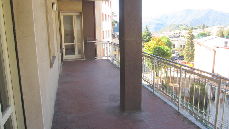 LUMEZZANE (BS) Piatucco – Trilocale con terrazzo