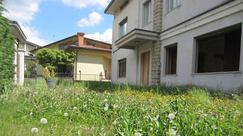 LUMEZZANE (BS) Gazzolo – Appartamento con giardino