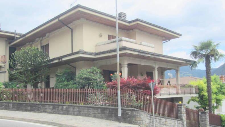 LUMEZZANE (BS) – Villa indipendente con giardino