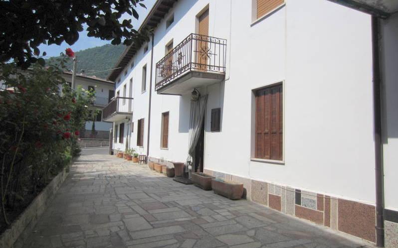 LUMEZZANE (BS) Piatucco – Casa singola con cortile